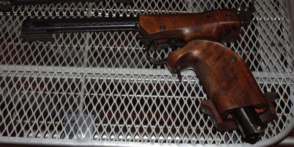 Нужно ли разрешение на пневматический пистолет — что будет за ношение без лицензии? Какой самый мощный пневматический пистолет без лицензии в России?
