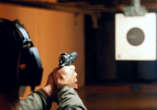 Газовый пистолет — нужно ли разрешение в 2020 году в России? Какие есть газовые пистолеты для самообороны без лицензии? Какая ответственность за ношение оружия без разрешения?